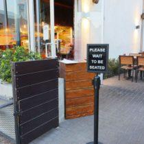 modern-ramen-cafe-26