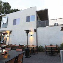 modern-ramen-cafe-30
