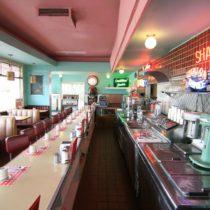 pink-s-cafe-06