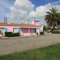 pink-s-cafe-50