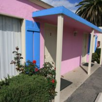 pink-s-cafe-51