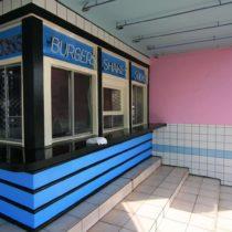pink-s-cafe-58