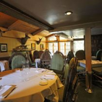 rustic-lodge-restaurant-surrounded-by-mountains-18