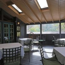 rustic-lodge-restaurant-surrounded-by-mountains-23