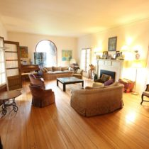 wood-floored-fairfax-house-06