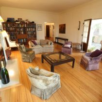 wood-floored-fairfax-house-11