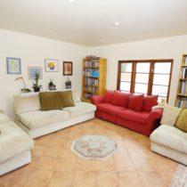 wood-floored-fairfax-house-32