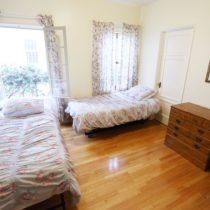 wood-floored-fairfax-house-34