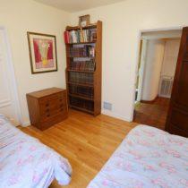 wood-floored-fairfax-house-36